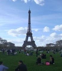 公園のエッフェル塔